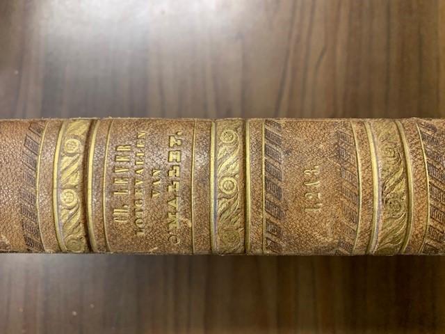 LEVER, CH., Zonderlinge lotgevallen en ontmoetingen van Charles O'Malley, den Ierschen dragonder. Naar het Engelsch van Charles Lever. Met platen.