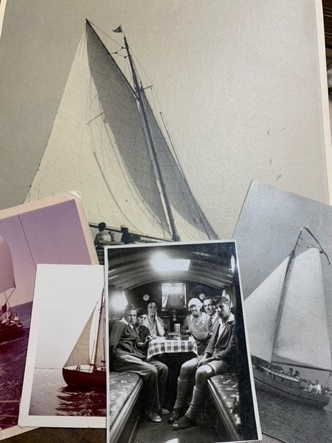 Staverse Jol, 5 original photographs of this sailing ship. Possible Holleblok owned by Gaillard.